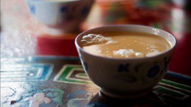 """Photo of Czarka życia na """"Dachu Świata"""" – kultura herbaty w Tybecie."""